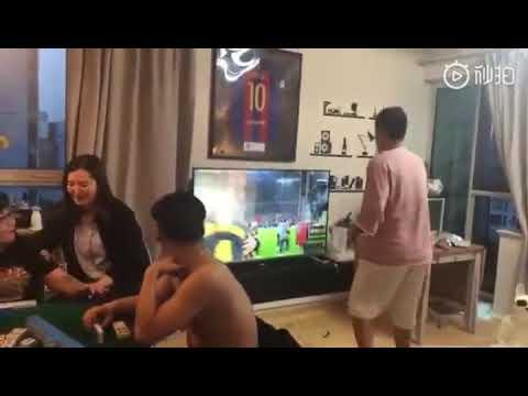 Chinês parte TV com derrota do Barça