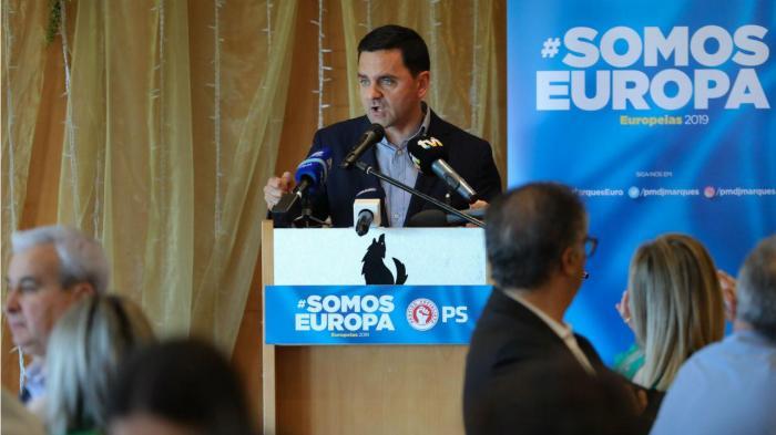 Cabeças de lista na rua em campanha para as eleições europeias
