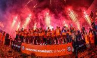 Cluj campeão com Camora e Thierry Moutinho (Foto: CFR Cluj)
