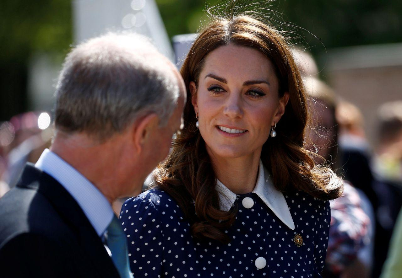 Kate Middleton recicla vestido polka dot