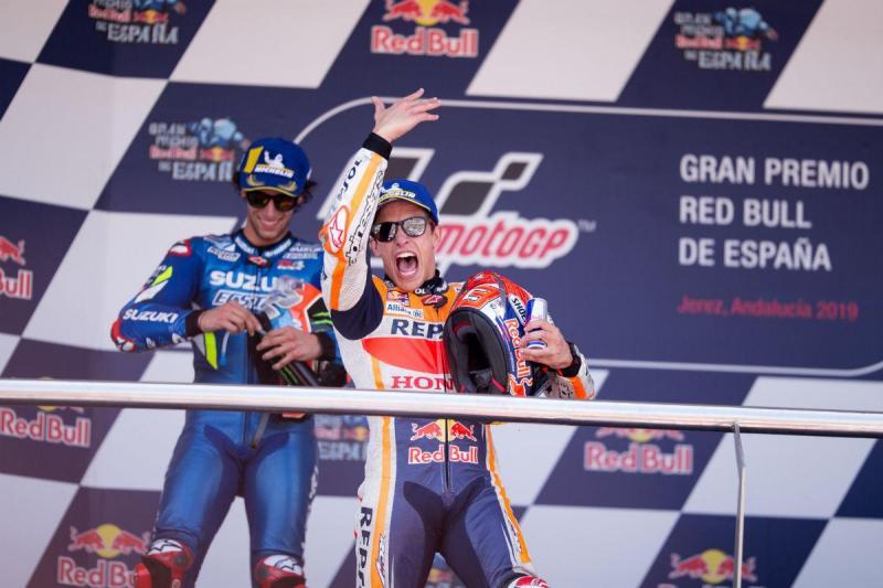 Álex Rins e Marc Márquez (Reuters)