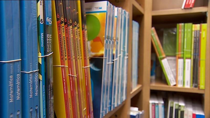 Escolas não estão a reutilizar manuais escolares gratuitos
