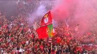 A festa do Benfica quando os jogadores vão à varanda da Câmara de Lisboa