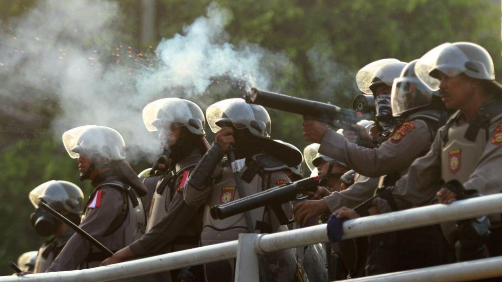 Protestos começaram durante a noite contra os resultados das presidenciais que deram a vitória ao Presidente indonésio, Joko Widodo