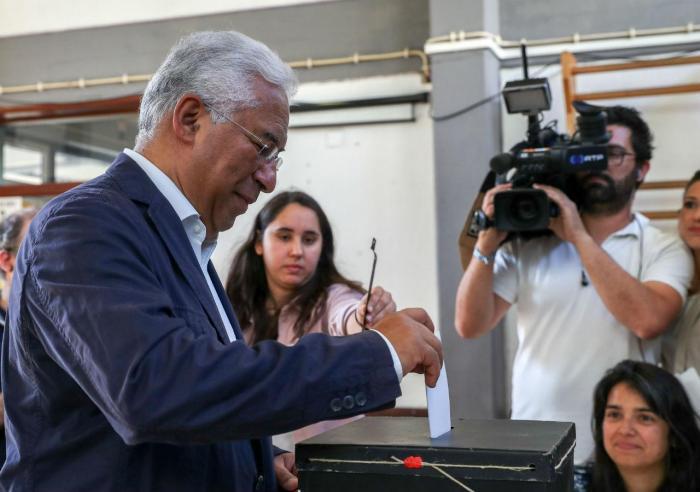 António Costa vota para as eleições europeias