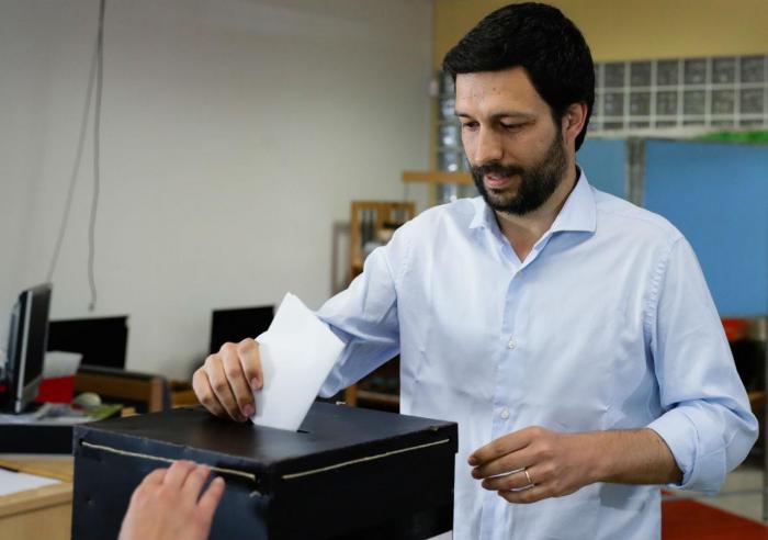 João Ferreira vota para as eleições europeias
