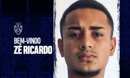 Zé Ricardo é reforço do Feirense