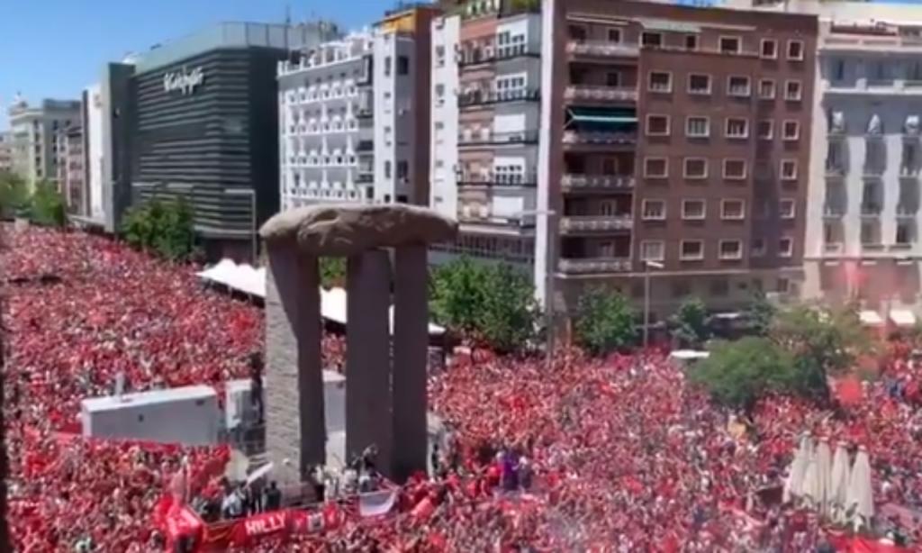 Adeptos do Liverpool em Madrid (twitter)