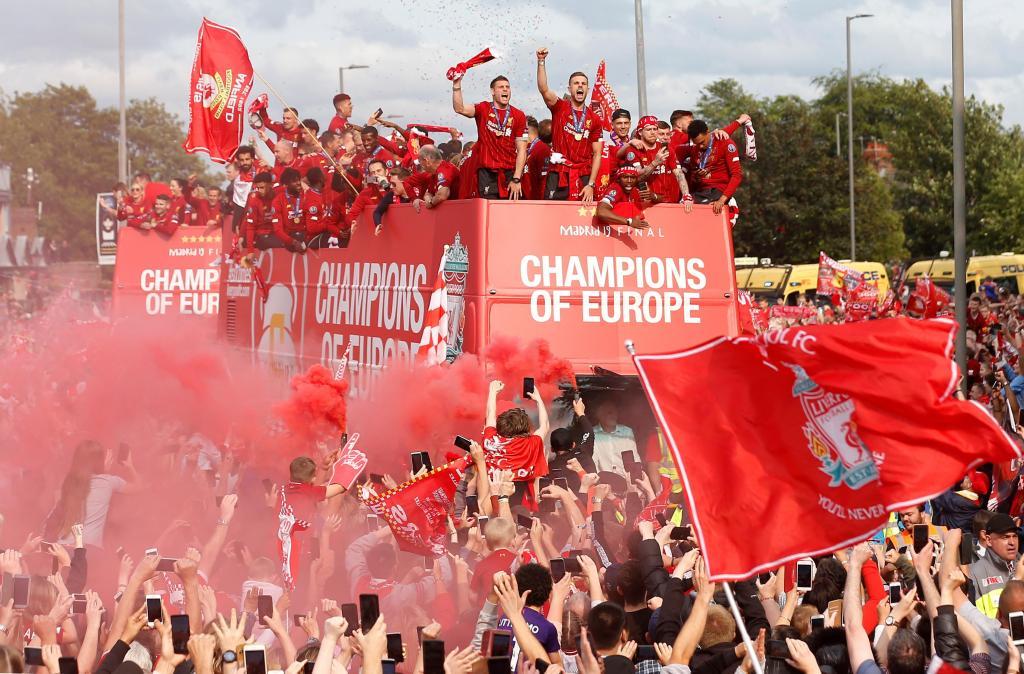 Liverpool recebeu os seus heróis em festa