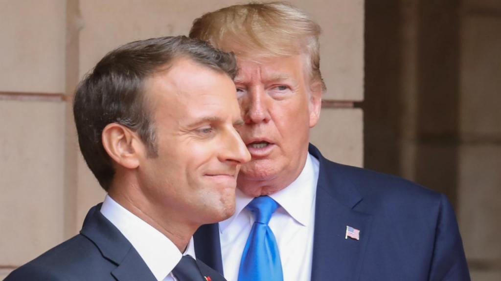 Donald Trump com presidente francês nas comemorações do Dia D