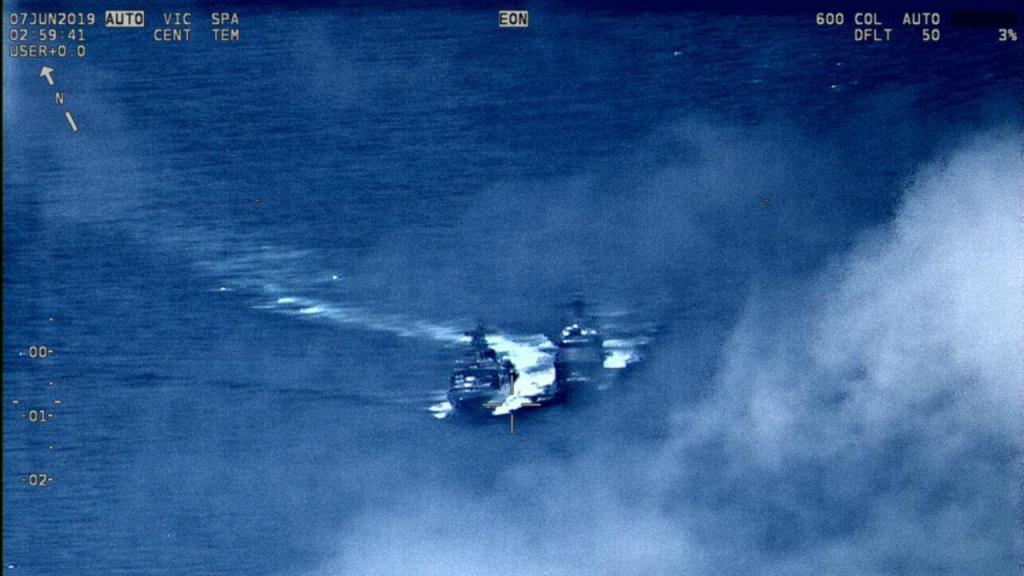 Navios russo e norte-americano cruzam-se no Pacífico