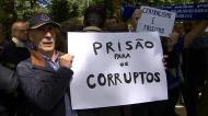 Adeptos do FC Porto juntaram-se para protestar contra o caso dos emails