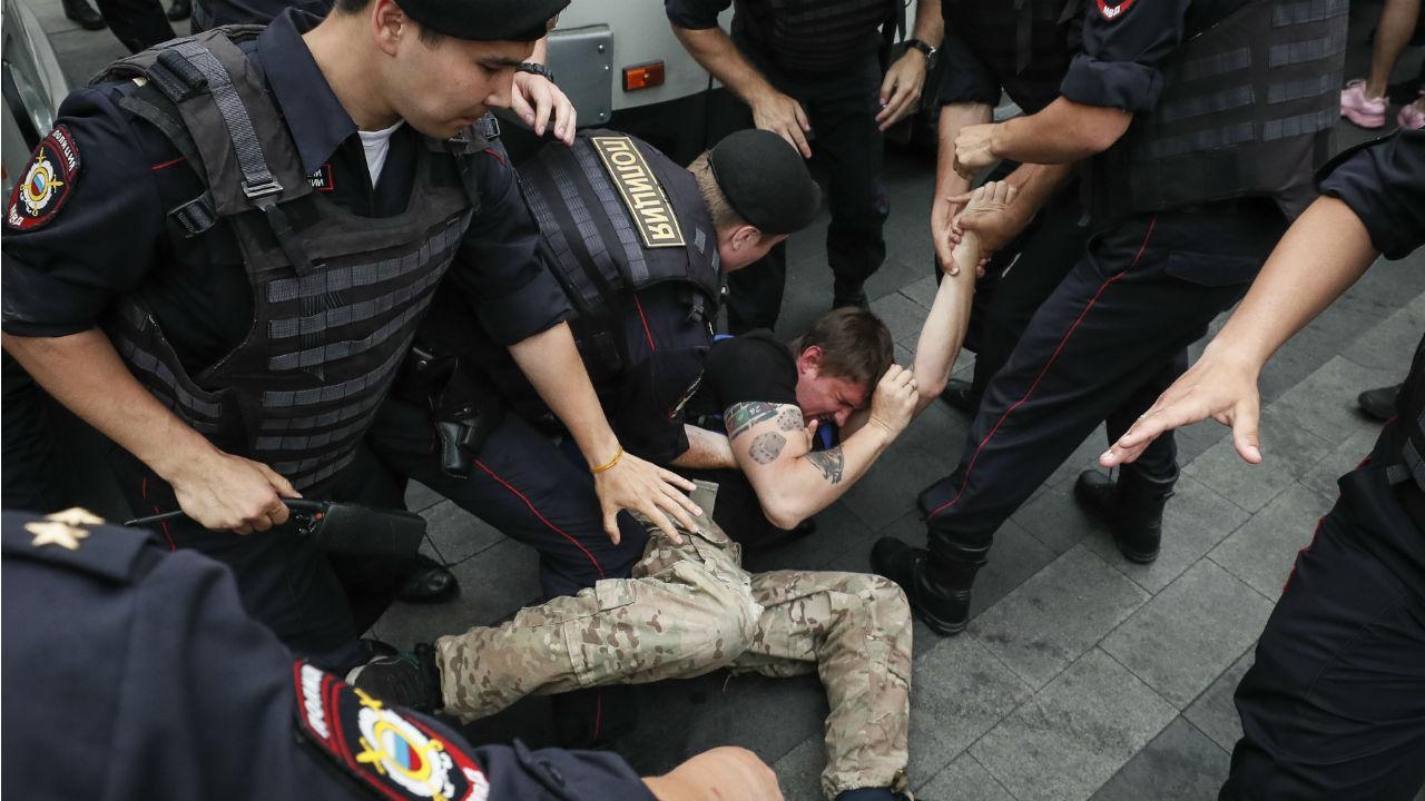 Detenções em marcha de apoio a Ivan Golunov