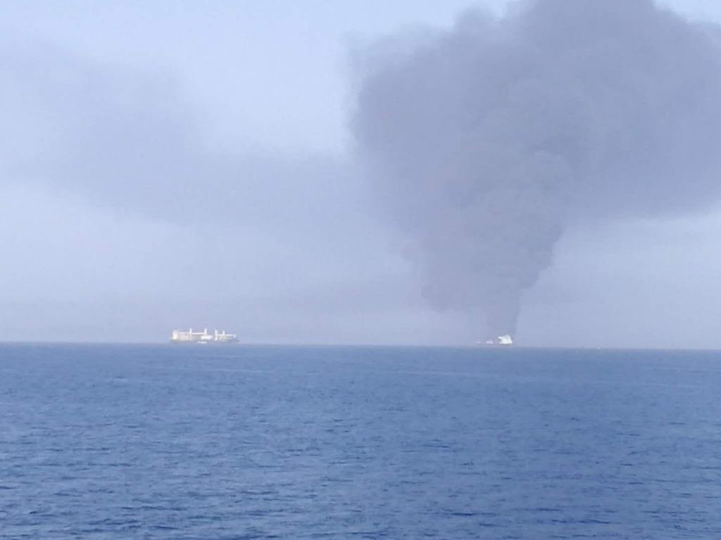 Petroleiros no golfo de Omã