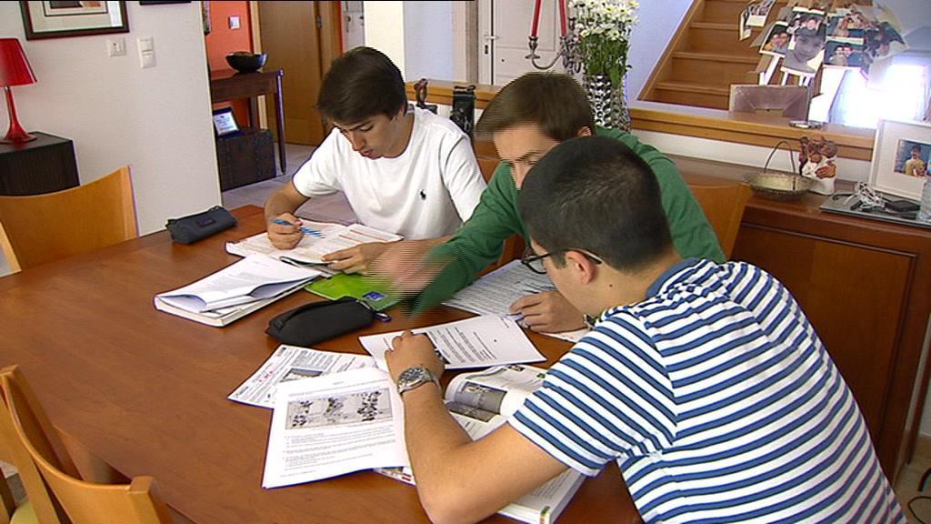Exames nacionais deixam muitos estudantes à beira de um ataque de nervos