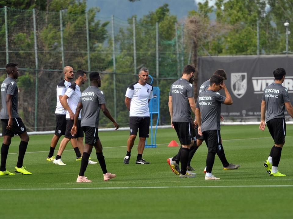 V. Guimarães: reforços inscritos na UEFA em lista com várias ausências
