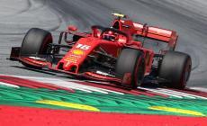 Fórmula 1: 'pole position' para Charles Leclerc em Baku