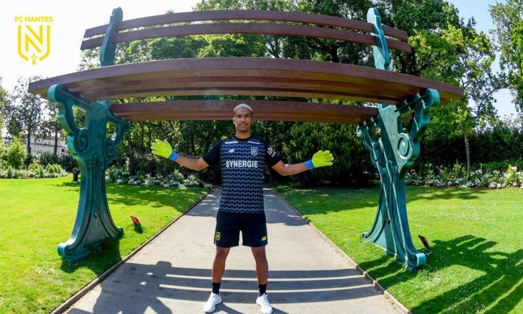 Alban Lafont reforça Nantes