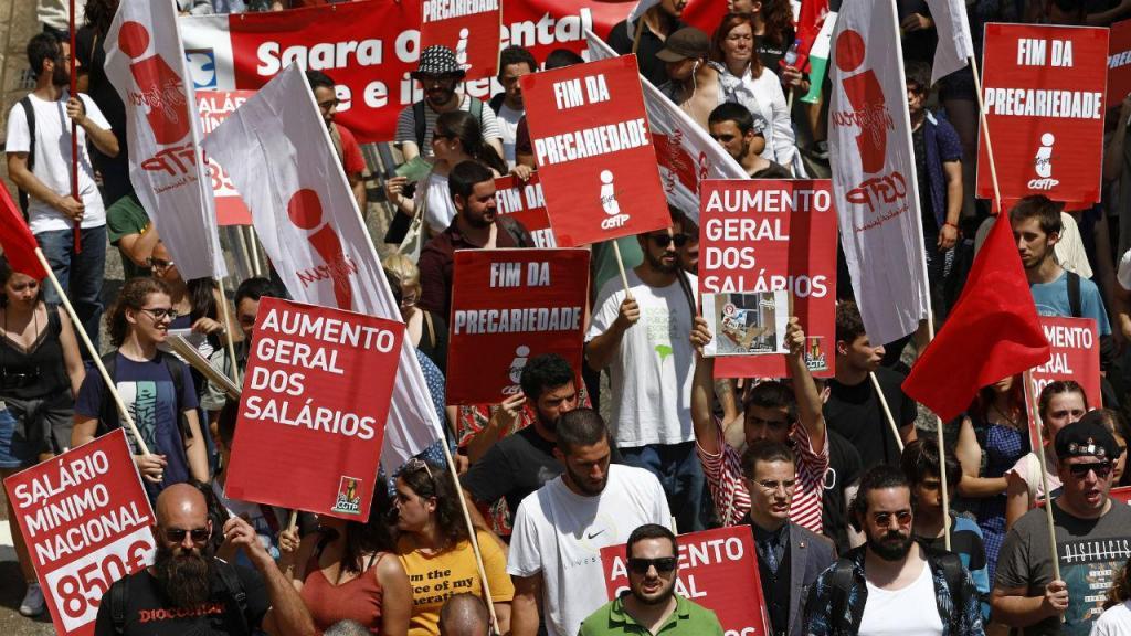 Marcha da CGTP entre a praça da Figueira e a Assembleia da República