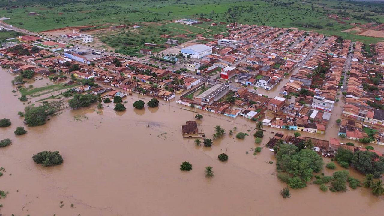 Barragem rebenta no Brasil
