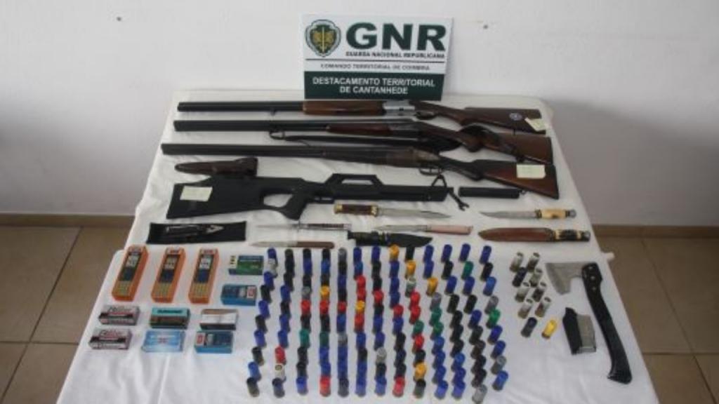 Armas e munições apreendidas