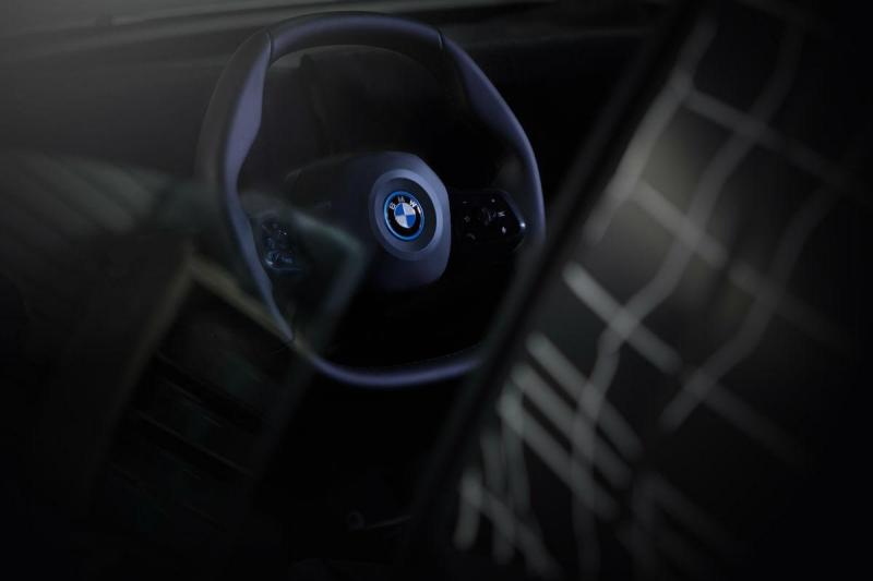 Novo volante BMW para o iNext