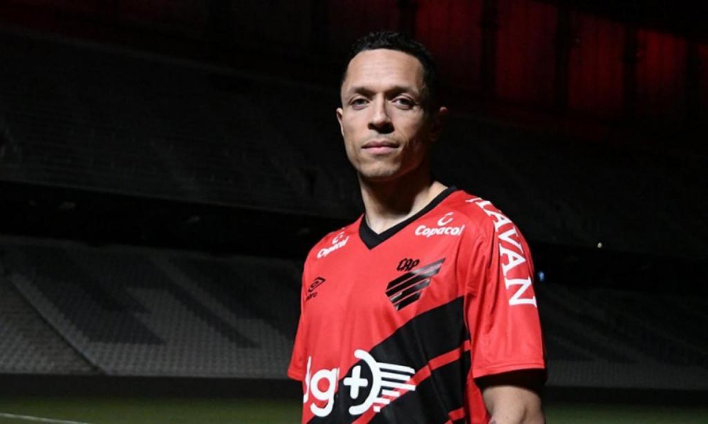 Adriano (Atl. Paranaense)