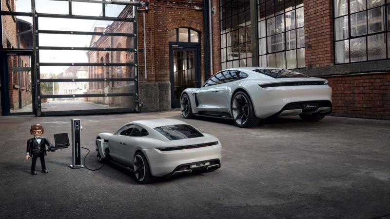 Agente Rex Dasher e o Porsche Mission E