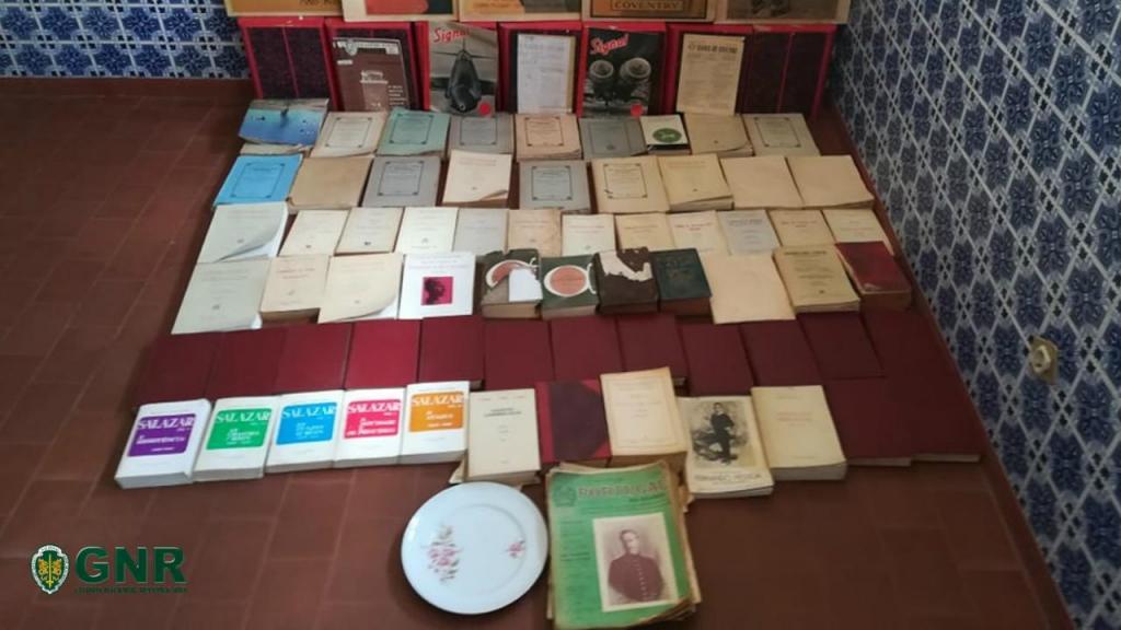 GNR apreende livros em Figueira de Castelo Rodrigo
