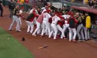 Luta no jogo entre Cincinnati Reds e Pittsburgh Pirates (Youtube)