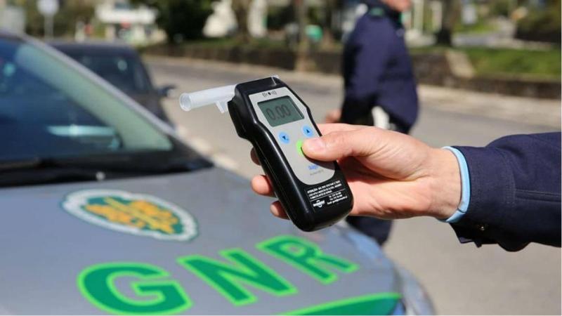 """Resultado de imagem para Mais de 1.800 detidos por condução com álcool no âmbito da """"Operação Hermes"""" da GNR"""