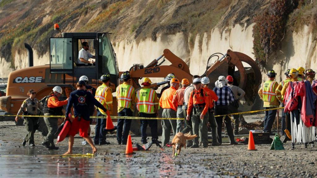 Derrocada em praia da California fez pelo menos três vítimas mortais