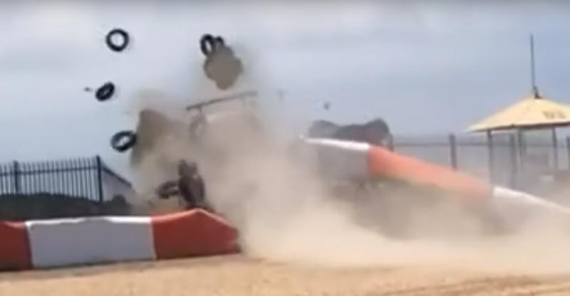 Acidente de Dennis Dirani no Estoril (reprodução YouTube «MotorsportCrashes»)