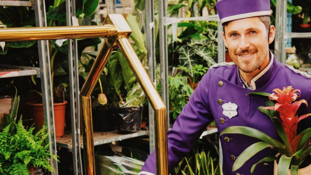 Abriu o primeiro hotel para plantas