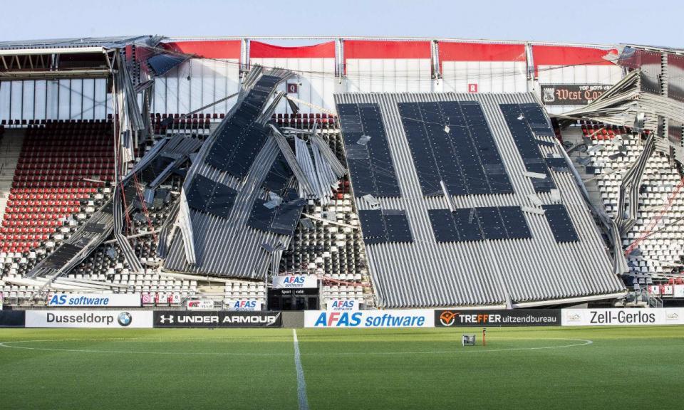 AZ Alkmaar em estádio emprestado após queda da cobertura