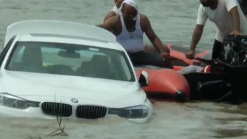 Jovem atira BMW para o rio porque queria um Jaguar