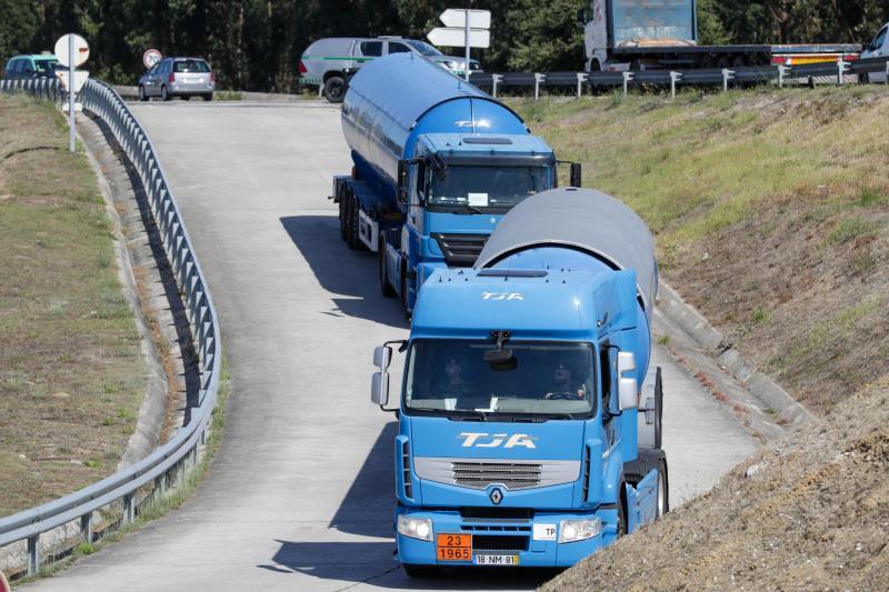 Forças de Segurança conduzem camiões