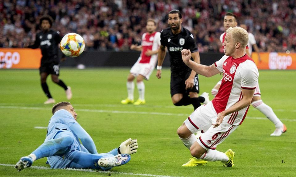 Liga Campeões: Ajax sofre para passar PAOK de Abel