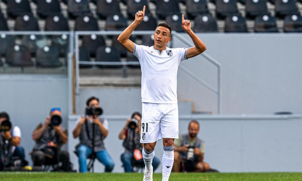 V. Guimarães: adeptos querem pagar multa de Davidson