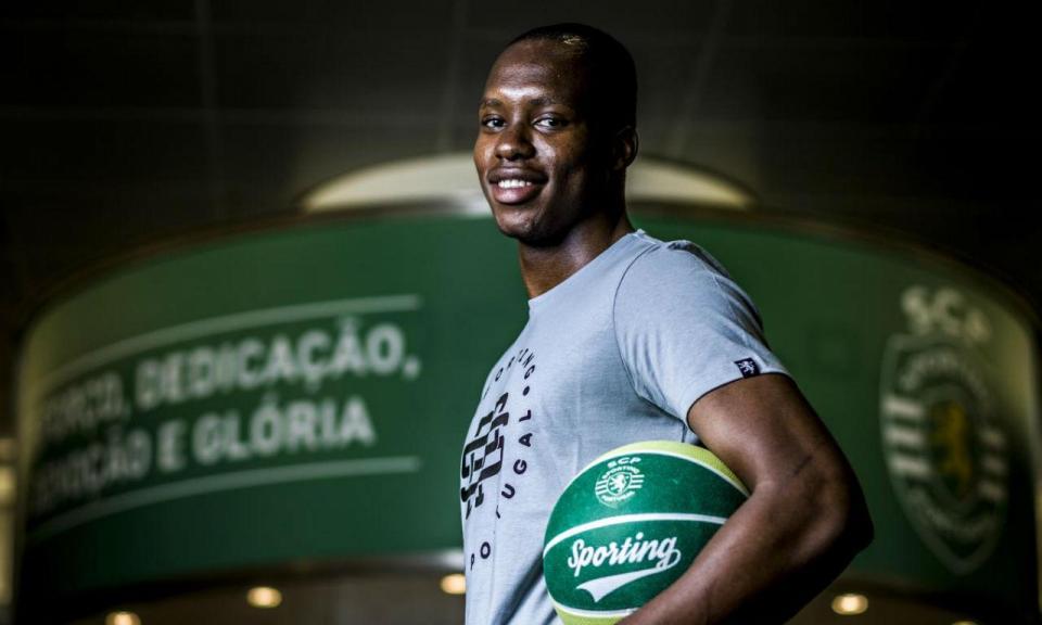 Basquetebol: Jeremias Manjate é reforço do Sporting
