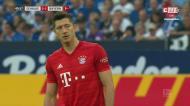 Lewandowski marca golaço de livre frente ao Schalke