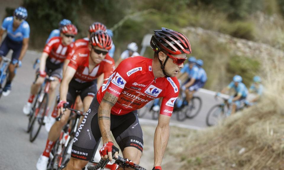 Vuelta: Iturria alcança primeiro triunfo da carreira, Roglic segue líder