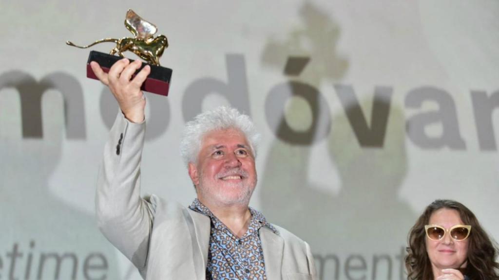 Pedro Almodóvar recebe Leão de Ouro