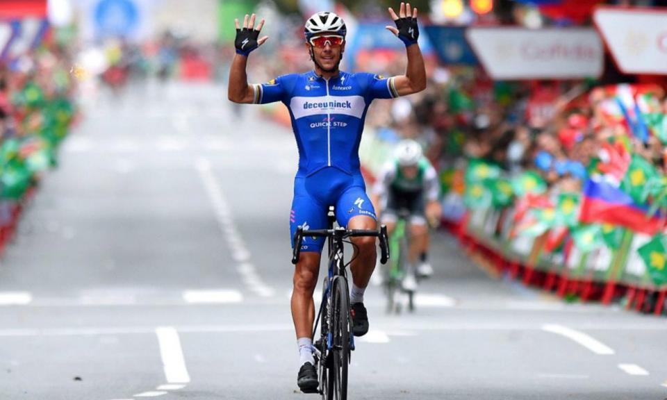 Vuelta: Gilbert vence em Bilbao, Roglic continua de vermelho
