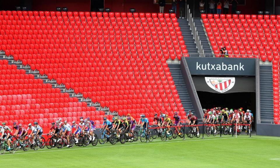 VÍDEO: etapa 13 da Vuelta partiu do relvado do estádio do Ath. Bilbau