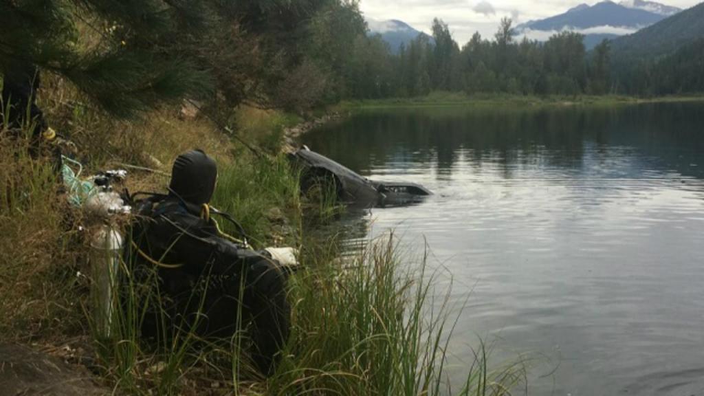 Polícia canadiana encontrou carro no lago Griffin
