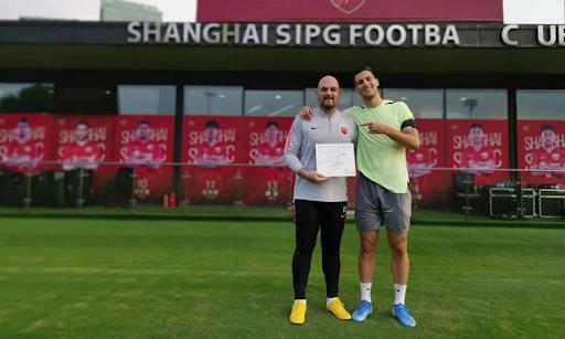 Dalot foi à China para recorrer ao fisioterapeuta que ajudou Marega