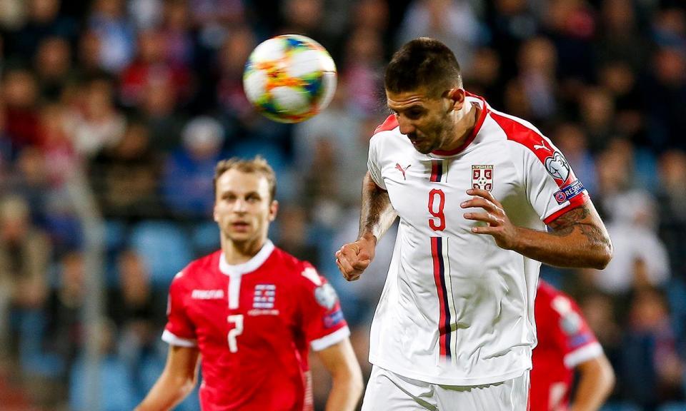 Euro 2020: Sérvia vence Luxemburgo com bis de Mitrovic