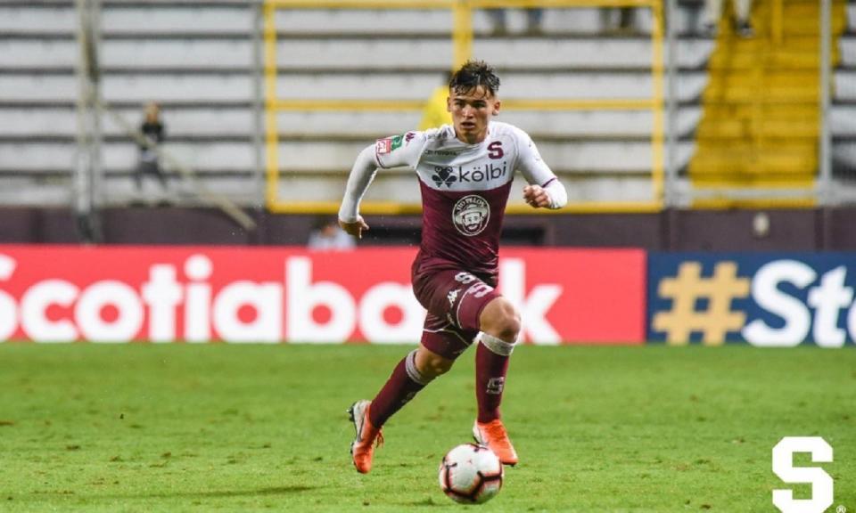 Avançado costa-riquenho vai fazer testes no Benfica