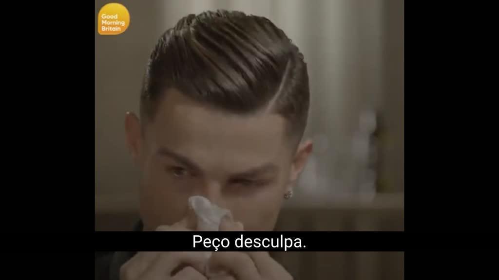 Ronaldo lavado em lágrimas durante entrevista